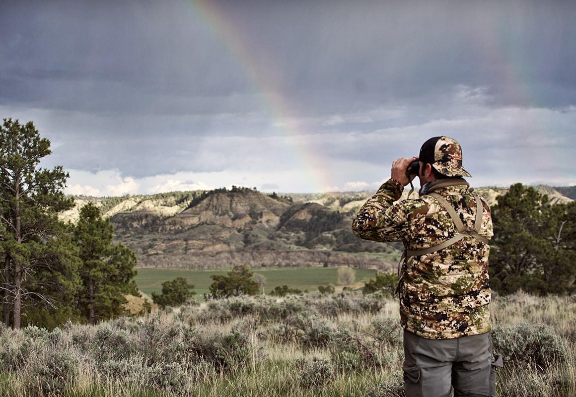 Jason Matzinger glassing a hillside